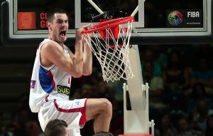 La Serbia vince il derby balcanico conquistando i quarti: 90-72 alla Grecia