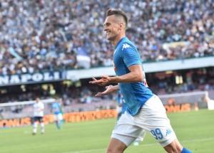 Il Napoli vince l'ultima in casa. Crotone in B