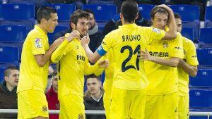 Asenjo mantiene en la lucha europea al Villarreal