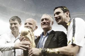 """Deschamps enaltece seleção da França após título: """"É resultado de muito trabalho"""""""