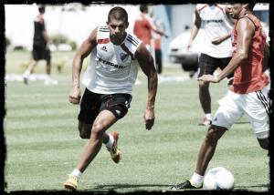 Quilmes tiene su primer refuerzo: Luciano Abecasis