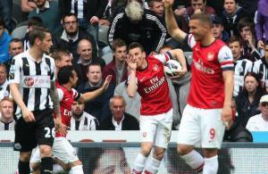 Koscielny envoie les Gunners en Champions League