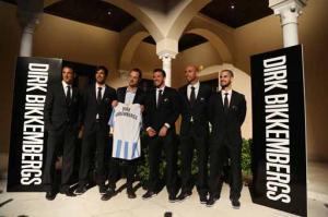 El Málaga presenta la marca de trajes que le vestirá
