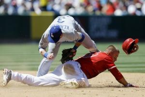 Los Angelinos de Anaheim derrotan a los Dodgers en el duelo de la ciudad de Los Angeles