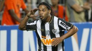 Beşiktaş want Ronaldinho move