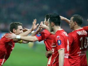 Valenciennes écrase Rennes