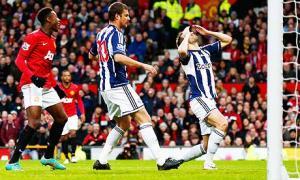 Las dos caras del Manchester United fulminan al West Bromwich