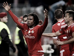 El Benfica gana sin destacar