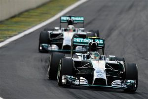 2014 Brazilian Grand Prix - Nico Rosberg Wins As Hamilton Spins