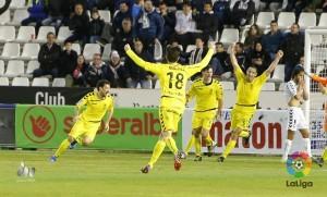El Real Oviedo rescata un punto del Belmonte