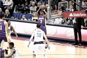 Em noite de estreias, Mejri decide no fim e Mavericks derrotam Lakers