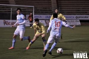 SD Compostela - CD Izarra: ganar o ganar