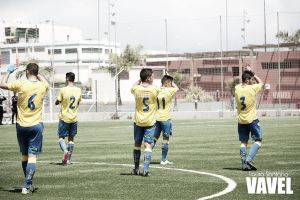 Las Palmas Atlético - Sestao River: la afición ejerce como juez
