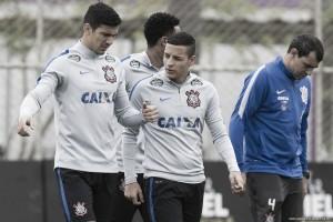Cristóvão mantém segredos no Corinthians para clássico contra Palmeiras