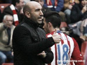 """Abelardo: """"Puede que no estemos muy acertados pero seguimos sin perder"""""""