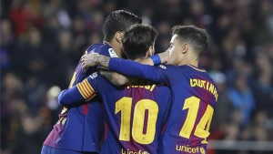 برشلونة يسحق ضيفه جيرونا في ديربي كتالونيا