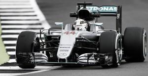 Silverstone: Lewis Hamilton repite liderato en los segundos entrenamientos libres