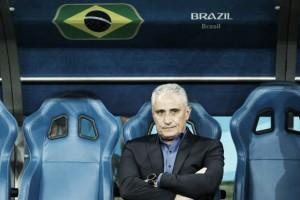 """Tite reconhece erros ofensivos do Brasil após empate: """"Poderíamos ter feito o goleiro trabalhar mais"""""""