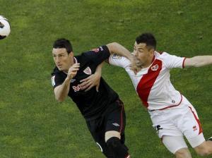 El Athletic cierra un año para olvidar con un empate en Vallecas