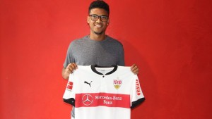 Stuttgart make left-back Ailton sixth summer signing