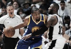 Warriors vencem terceiro jogo contra Spurs e se aproximam da grande final da NBA