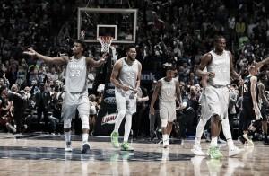 Após 14 anos, Minnesota retorna aos playoffs da NBA sob comando de Jimmy Butler