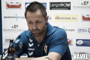 """José Manuel Aira: """"El Sporting B está bien dotado técnicamente, ha ido a más"""""""