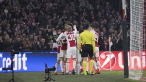 Europa League - Ajax travolgente, Copenaghen battuto ed eliminato: 2-0 all'Amsterdam Arena