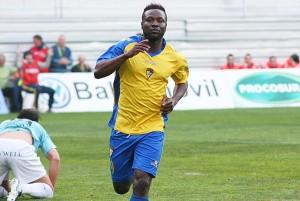 Akinsola y Younousse Diop refuerzos para el ataque delMérida