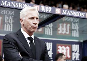 """Alan Pardew: """"Este Chelsea es mejor aún que el del año pasado"""""""