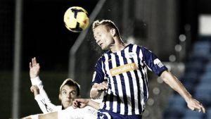 Jarosik sigue sin poder debutar
