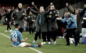 El Napoli vuelve a engancharse al tren de la liga