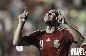Paco Alcácer se estrena con gol en el debut con España