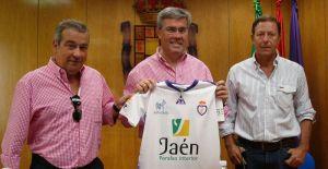 El alcalde recibe la Insignia de Oro del Real Jaén