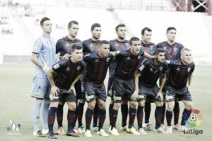 Amarillos en El Alcoraz: poco protagonismo en el primer empate del Huesca