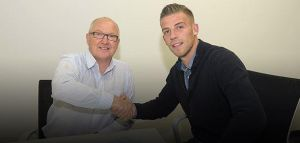 Alderweireld signs for the Saints