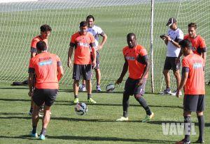 La plantilla del Granada se prepara para recibir al Villarreal