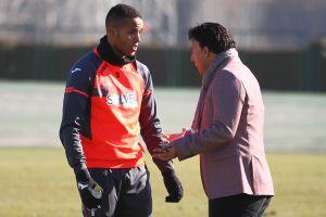 El Arabi y Roberto, fuera de la convocatoria para enfrentarse al Villarreal