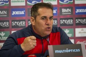 """Sandoval: """"Sé que mis jugadores se van a dejar la vida contra el Real Madrid"""""""