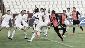 El Almería vence en el Carlos Belmonte y sigue invicto
