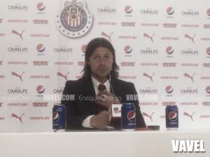 """Matías Almeyda: """"Los jugadores de Chivas no miran más abajo"""""""