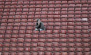 Sillas vacías, deudas y el miedo al gol