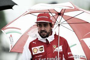 """Fernando Alonso: """"Creo que fue un fallo eléctrico porque el coche se quedó sin corriente total"""""""