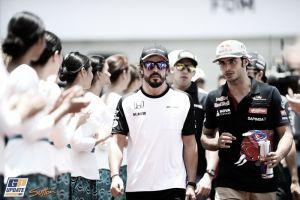 """Fernando Alonso: """"Ha sido una sorpresa rodar con el grupo"""""""