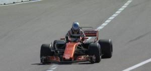 Formula 1 - McLaren entrambe penalizzate in Azerbaigian: Alonso e Vandoorne arretrati in griglia