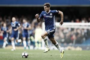 """Marcos Alonso ressalta evolução na Itália: """"Posso jogar em mais de uma posição"""""""