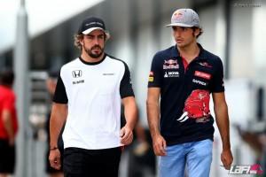 """F1, Alonso: """"Sainz miglior esordiente"""""""