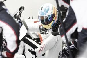 Fernando Alonso, de test en Baréin
