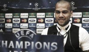 """Alves: """"Antes decíais que el Barça era monótono y ahora que hay una alternativa se crea debate"""""""
