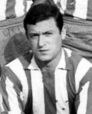El Málaga llora la muerte de Robles, centrocampista blanquiazul durante los 60